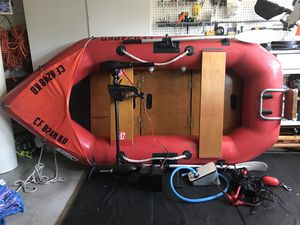"""Inflatable boat and motor - Achilles - 8'4"""" for Sale in Laguna Niguel, CA"""