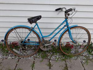 Old Schwinn Bike 10 speed for Sale in Cleveland, OH