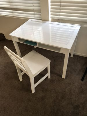 Little kids desk and chair for Sale in Riverside, CA