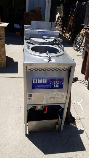 Commercial pressure fryer for Sale in Sanger, CA