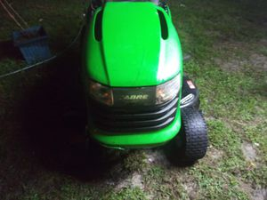 John Deere 42 inch cut self leveling 19 horsepower Briggs and Stratton runs drive and cut great for Sale in Orlando, FL