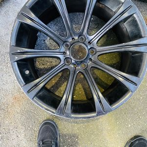 "Oem Rear 9 1/2"" Wide 19"" M5 Rim for Sale in Bellmore, NY"
