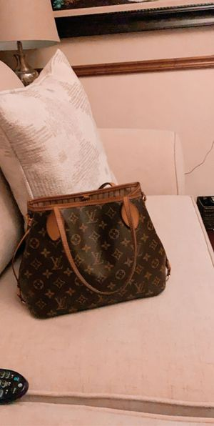 Original LV purse for Sale in Gainesville, GA