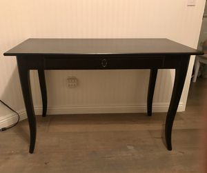 Wooden black desk for Sale in Fontana, CA