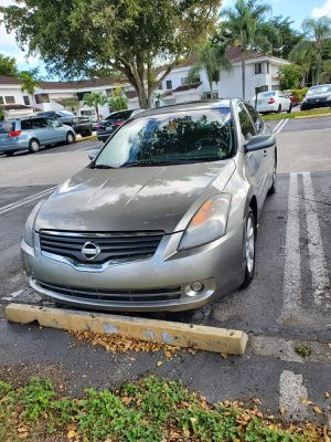 Nissan Altima for Sale in Miami, FL