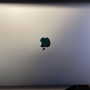 "16"" MacBook Pro, i9 8-core, 16gb RAM, 1TB SSD, Apple Care thru Aug 2023 for Sale in Austin, TX"