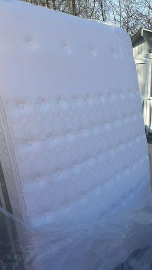 Queen mattress & Queen boxspring for Sale in Frankford, DE