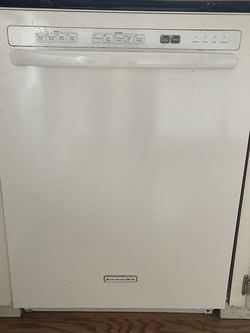 KitchenAid Dishwasher White With Stainless Tub for Sale in Beaverton,  OR