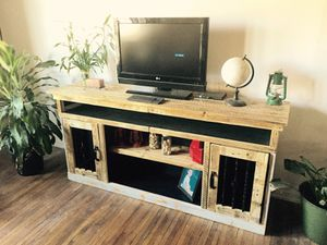 Reclaimed barn wood entertainment stand for Sale in Columbus, OH