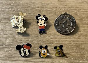 Disney Pins! $4 each for top pins $3 for bottom pins for Sale in Norwalk, CA