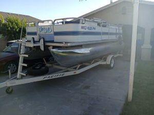 2003 pontoon for Sale in Clovis, CA