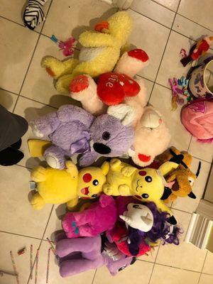 12 stuff animals for one price for Sale in Morton Grove, IL