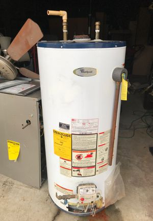 Whirlpool hot water heater propane type 40 gallon for Sale in Waldorf, MD
