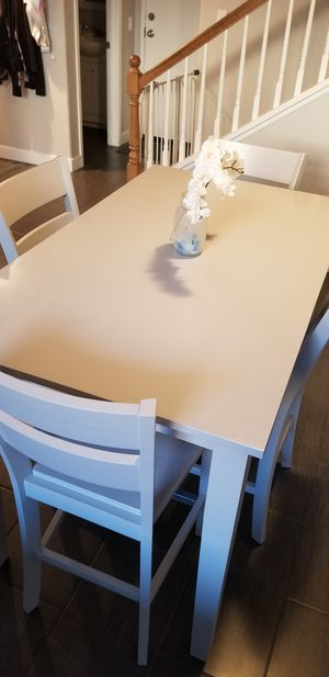 Dining Room Table with 4 Chairs MINT for Sale in San Diego, CA