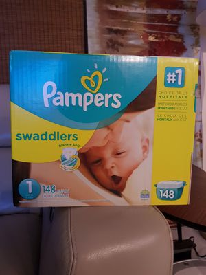 Diapers pampers for Sale in Hollywood, FL