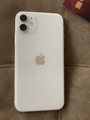 iPhone 11 white for Sale in Charlottesville, VA