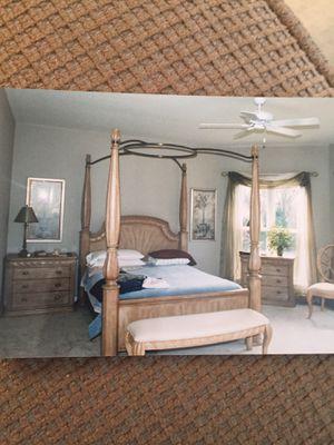 Bernhardt Queen Bedroom Set for Sale in Saint Charles, MO