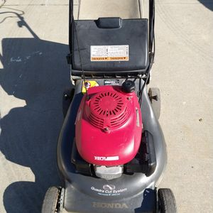 """Honda HRR216 (21"""") ( commercial competitive ) (fully maintenance) ( Self propelled ) lawn mower ( ready to mow ) for Sale in Stanton, CA"""