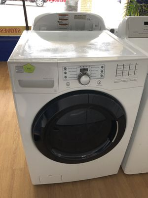 Kenmore white front load washer for Sale in Woodbridge, VA