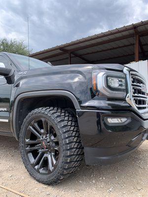 "New complete set 22"" black Chevy GMC Rims and New Tires 22 Chevrolet wheels 22s Rines y llantas Chevrolet Silverado Tahoe Avalanche GMC Sierra Yukon for Sale in Dallas, TX"
