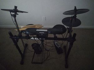 Drums Kit Set Alesis Great for Sale in Pompano Beach, FL