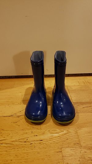 Boys size 10 rain boots for Sale in Chino Hills, CA