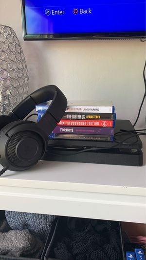 PS4 w/ games, control & headset for Sale in Simi Valley, CA