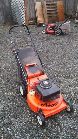 Ariens self-propelled lawn mower variable speed for Sale in Puyallup, WA