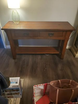 Solid wood sofa table for Sale in Randleman, NC