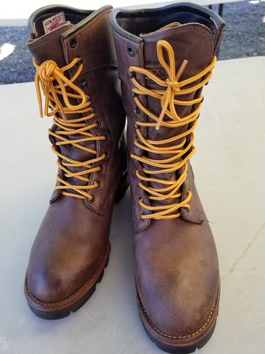 Red swing boots.size 8.5 for Sale in Snohomish, WA