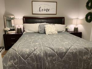California king bedroom set for Sale in Shelton, WA