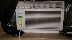 Arctic king window ac 6000 btu... about 7 months old for Sale in Lauderhill, FL