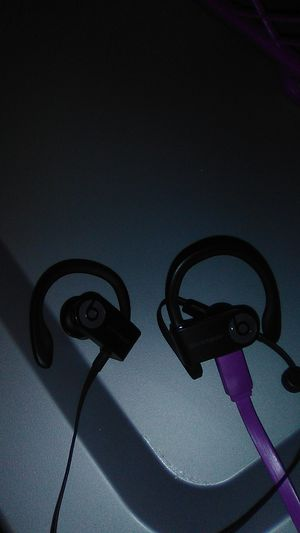 Power beats 3 blutooth headphones for Sale in Saint Paul, MN