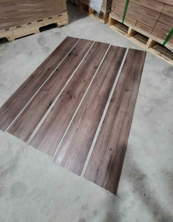 Luxury vinyl flooring!!! Only .65 cents a sq ft!! Liquidation close out! HI