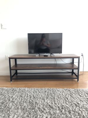 "33"" JVC TV & Remote for Sale in Orlando, FL"