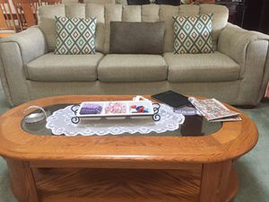 Oak coffee table, end tables and sofa table for Sale in Montrose, CO