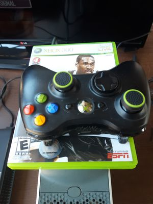 XBOX 360 WITH ONE GAME AND ONE CONTROL for Sale in Fort Worth, TX