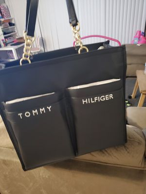 TOMMY HILFIGER PURSE for Sale in San Diego, CA