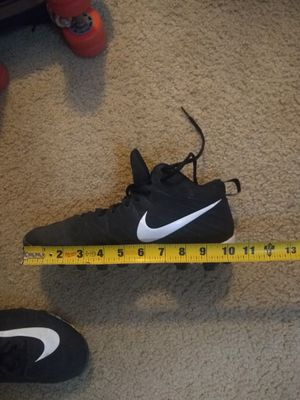 Football cleats Nike shoes size 9 .5 for Sale in Moreno Valley, CA