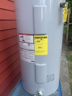 Whirlpool 62 gallon electric water heater for Sale in Damascus, OR
