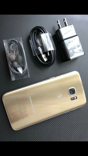 Samsung Galaxy S7 edge - excellent condition, factory unlocked, clean IMEI for Sale in Fort Belvoir, VA