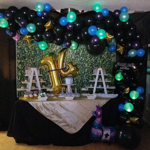 Balloon garlands, party decor for Sale in Las Vegas, NV
