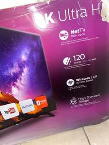 """$350 Christmas Sale HUGE Philips 55"""" inch almost wall to wall 100+apps that go from phone to TV for Sale in Missouri City, TX"""