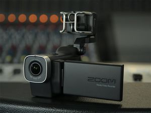 Zoom Q4 Handy Video Recorder (Camera) for Sale in The Bronx, NY