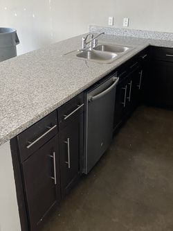 New and Used Kitchen cabinets for Sale in Dallas, TX - OfferUp