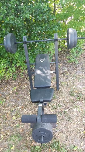 Cap strength weight bench for Sale in Haines City, FL