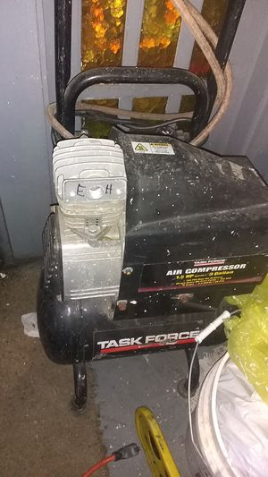 Air compressor 3gallon 40with hose for Sale in Fresno, CA