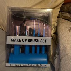 makeup brushes with stand for Sale in Queens,  NY