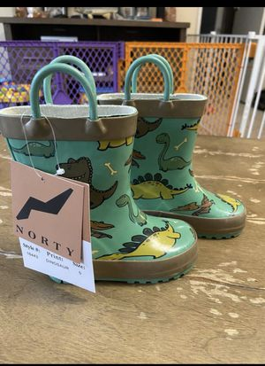 Kids/toddlers rain boots size 5 for Sale in Camano, WA