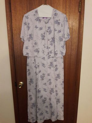 Light purple flowered dress for Sale in Darrington, WA